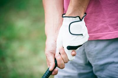 ゴルフ用手袋を販売(¥1000)